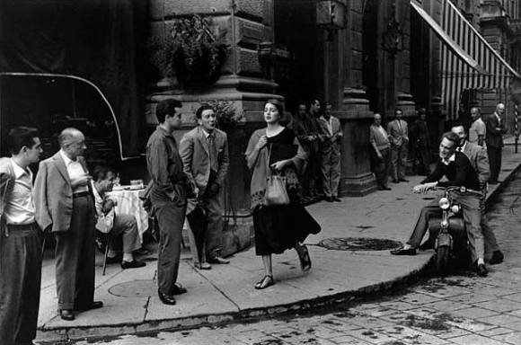 artwork_images_221_404719_ruth-orkin